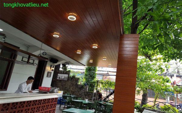 a2 600x375 - Cỏ nhân tạo trí ốp tường – Thảm cỏ nhân tạo lót sàn giá rẻ tại Tphcm và trên toàn quốc