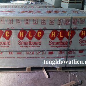 tam lot san lot duoi mai nha vach ngan trong nha 1000x2000x12 mm 300x300 - Giá Tấm Lót Sàn Smartboard HLC Sỉ và Lẻ Mới Nhất Từ Nhà Máy 2021