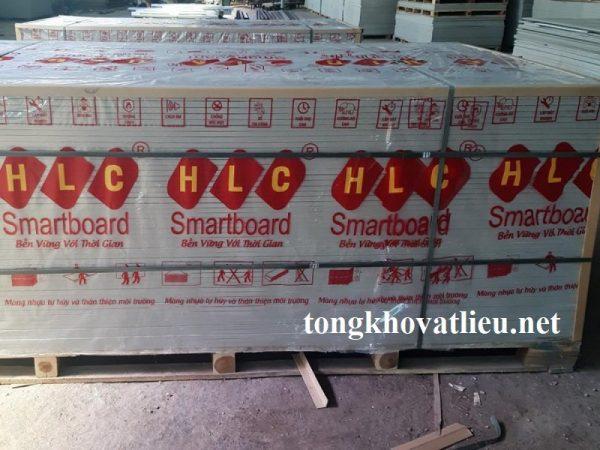 tam lot san lot duoi mai nha vach ngan trong nha 1000x2000x12 mm 600x450 - Giá Tấm Lót Sàn Smartboard HLC Sỉ và Lẻ Mới Nhất Từ Nhà Máy 2021